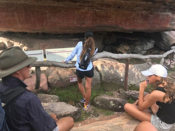 kakadu rock art tour